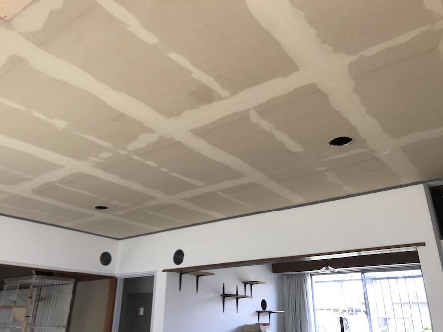 セルフリフォーム 天井 クロス張替え DIY 壁紙張り替え