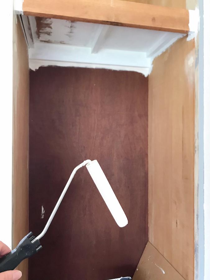 クローゼット 塗装 DIY セルフリフォーム 簡単DIY クローゼット内塗装して大丈夫か