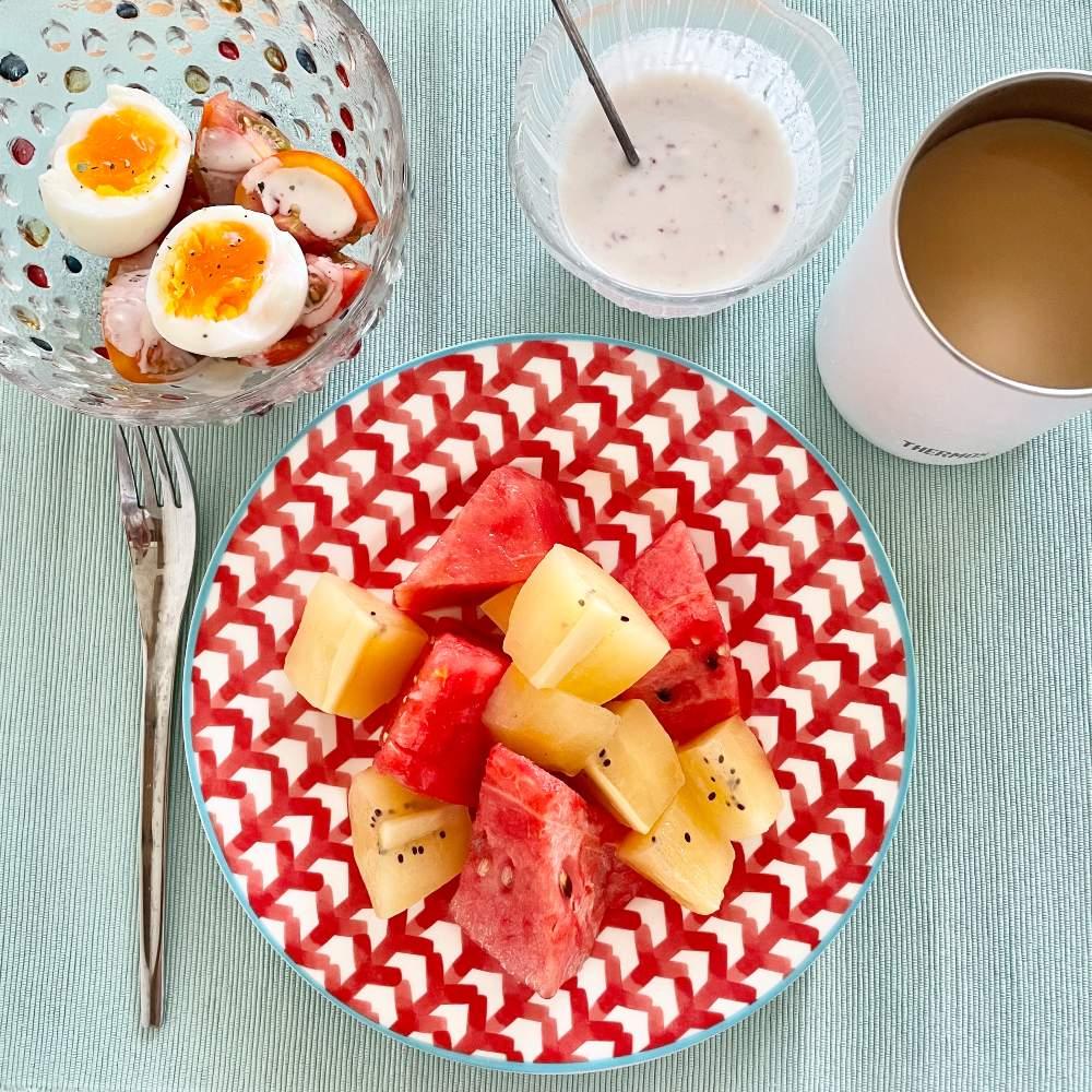 ダイエット中 朝ごはん タンパク質 果物 ヨーグルト